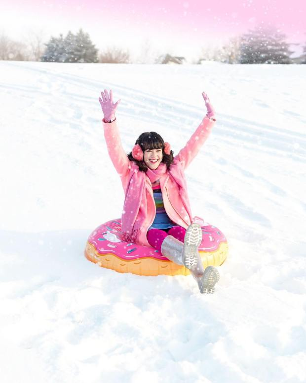 snow-tube-donut-aww-sam-instagram.jpg