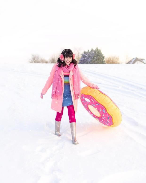 snowtube-donut-aww-sam-instagram